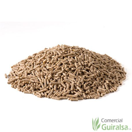 Pienso corderos Cadecor 2 sacos de 25 kg y 40 kg marca Agroveco - Guiralsa