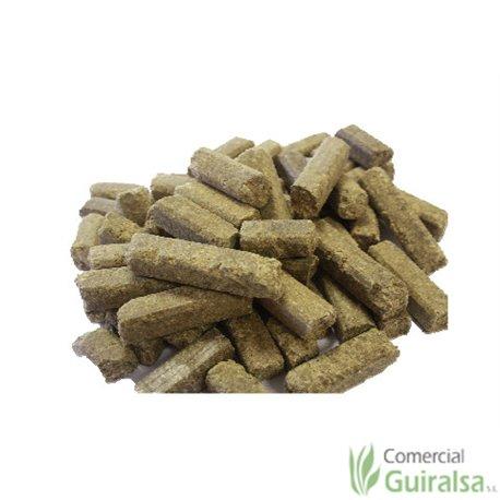 Pienso ovejas Taco Extra marca Agroveco en forma de taco - Guiralsa