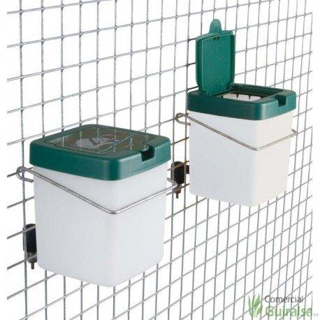 Bebedero Chupete para Conejos con Botella de 0,5 litros de capacidad